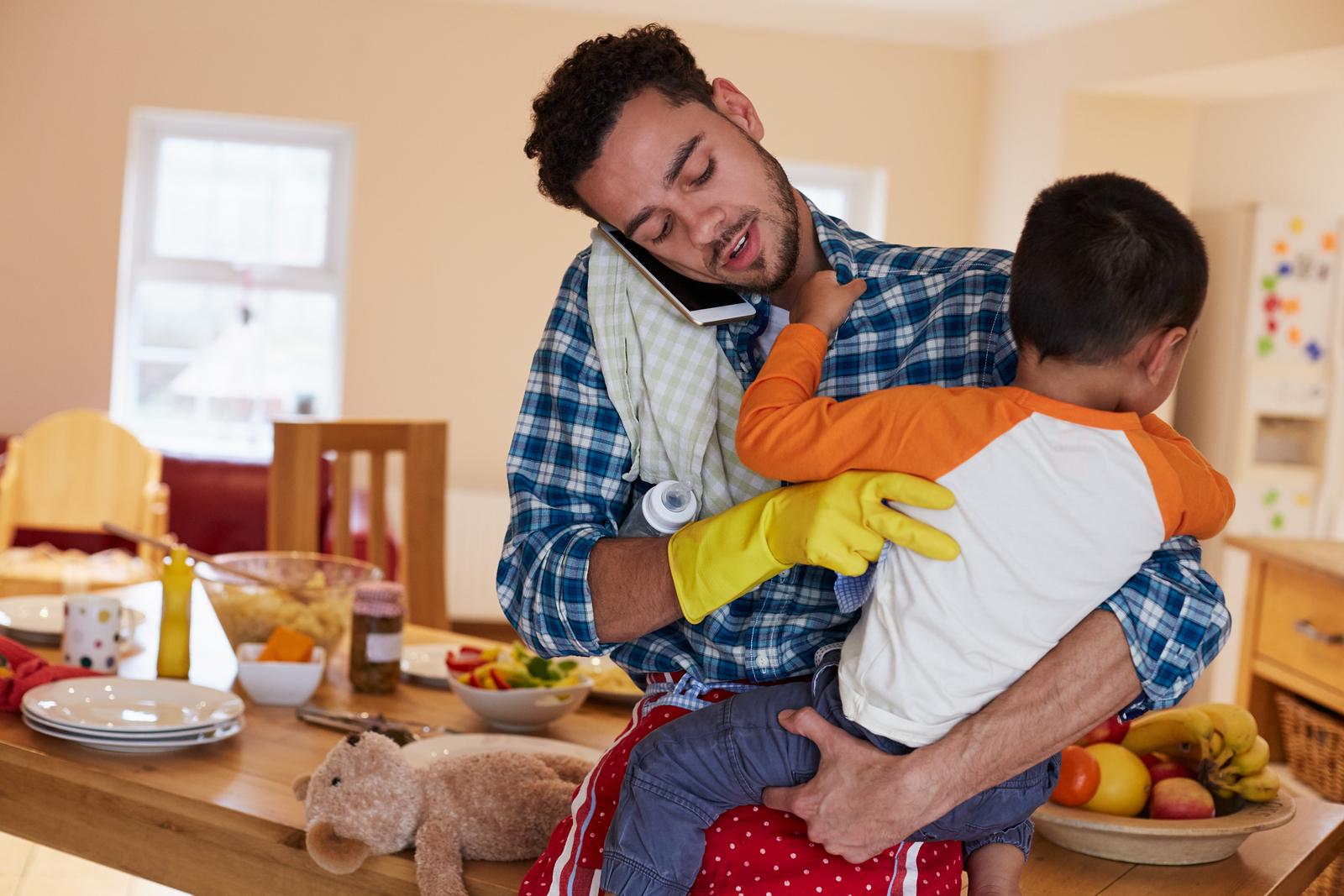 Muchos padres hogareños se sienten aislados